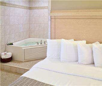 Rooms at LivINN Hotel Minneapolis South/Burnsville
